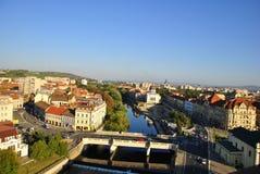 Panoramautsikt av den Oradea och Crisul Repede floden Royaltyfria Bilder