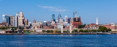 Panoramautsikt av den Philadelphia horisonten fotografering för bildbyråer
