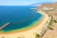 Panoramautsikt av den San Andres byn och den Las Teresitas stranden, Tenerife, Spanien arkivbild