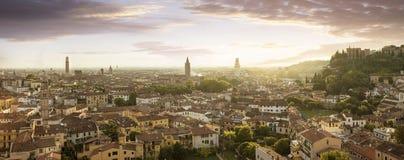Panoramautsikt av den Verona staden Arkivfoto