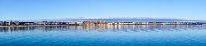 Panoramautsikt av den Weymouth stranden arkivbilder