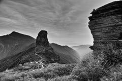 Panoramautsikt av det Fanjing berget royaltyfri bild