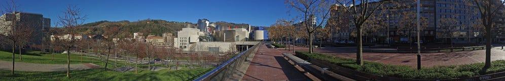 Panoramautsikt av det Guggenheim museet Bilbao, det baskiska landet, Spanien, 25/01/2017, museet av modernt och samtida konst Arkivbilder