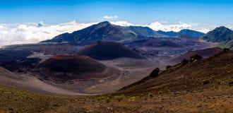 Panoramautsikt av det vulkaniska landskapet på Haleakala, Maui Arkivbild