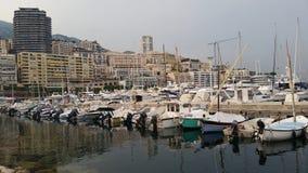 Panoramautsikt av fartyg i Monaco Arkivfoto
