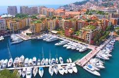 Panoramautsikt av Fontvieille - nytt område av Monaco Fartyg Arkivbilder