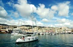 Panoramautsikt av gammal port i Genua Arkivbilder