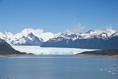 Panoramautsikt av glaciären Perito Moreno arkivfoto
