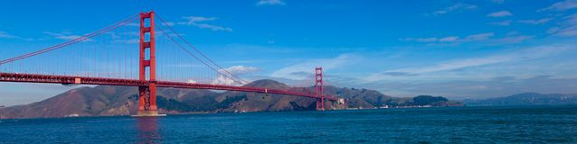 Panoramautsikt av Golden gate bridge i San Francisco, Kalifornien Arkivfoton