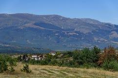 Panoramautsikt av hösten med byar Plana Arkivbild