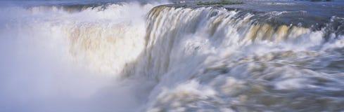 Panoramautsikt av Iguazu vattenfall i Parque Nacional Iguazu, Garganto del Diablo Salto Union, gräns av Brasilien och Argentina Arkivbild