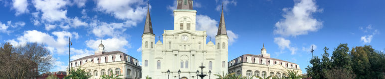 Panoramautsikt av Jackson Square New Orleans tilldrar millio 15 Arkivbild
