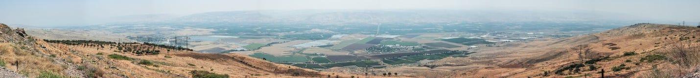 Panoramautsikt av Jordan Valley från väggarna av den Belvoir fästningen - Jordan Star - i Jordan Star National Park nära A Arkivbilder