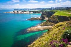 Panoramautsikt av kusten av Santander från den Bella Vista lien Arkivfoton
