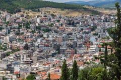 Panoramautsikt av Lamia City, Grekland royaltyfria foton