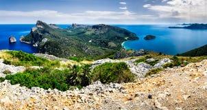 Panoramautsikt av Lock de Formentor Mallorca arkivbilder