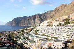 Panoramautsikt av Los Gigantes, Tenerife arkivfoton
