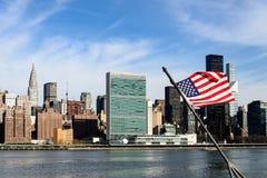 Panoramautsikt av midtownen Manhattan, New York City, från Brooklyn arkivbilder