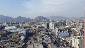 Panoramautsikt av mitten av staden av Lima royaltyfria bilder
