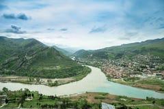 Panoramautsikt av Mtskheta från den Jvari kloster georgia Arkivbilder