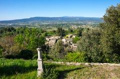Panoramautsikt av Oppede-le-Vieux Arkivfoto