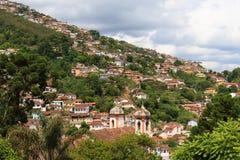 Panoramautsikt av Ouro Preto i Brasilien royaltyfri bild