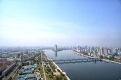 Panoramautsikt av Pyongyang i morgonen DPRK - Nordkorea Arkivfoto