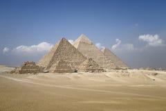 Panoramautsikt av pyramider från den Giza platån Arkivbild