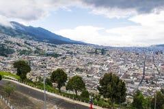 Panoramautsikt av Quitostaden, Ecuador Arkivfoton