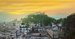 Panoramautsikt av Salzburg, Salzburger land Fotografering för Bildbyråer