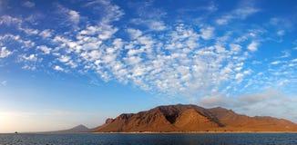Panoramautsikt av Santa Luzia den vulkaniska ön, Kap Verde Arkivbilder