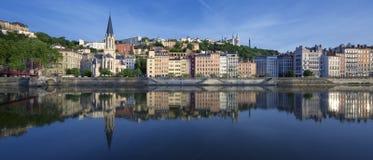 Panoramautsikt av Saone River i Lyon Royaltyfri Foto