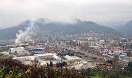Panoramautsikt av Sevnica, Slovenien, barndomstad av Melania trumf Royaltyfri Bild