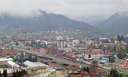 Panoramautsikt av Sevnica, Slovenien, barndomstad av Melania trumf Arkivbild