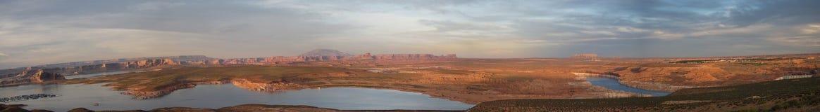 Panoramautsikt av sjön Powell, nära sidan, Arizona Arkivfoton