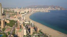 Panoramautsikt av staden av Benidorm i Alicante, Spanien arkivfilmer