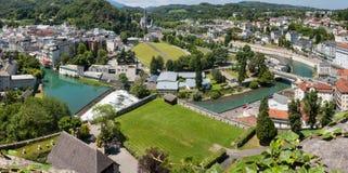 Panoramautsikt av staden Lourdes Royaltyfri Foto