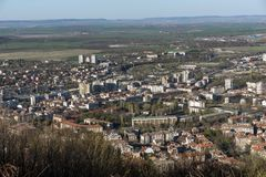 Panoramautsikt av staden av Shumen, Bulgarien arkivfoton