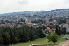 Panoramautsikt av staden av Stara Zagora, Bulgarien royaltyfri bild