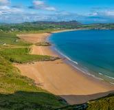 Panoramautsikt av stranden i Donegal arkivbild