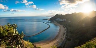 Panoramautsikt av strandlas Teresitas Tenerife Arkivfoton