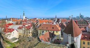 Panoramautsikt av Tallinn den gamla staden, Estland Arkivfoto