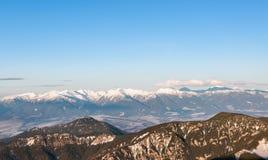 Panoramautsikt av Tatra berg från det Chopok maximumet royaltyfria bilder