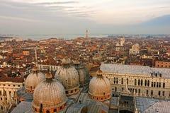 Panoramautsikt av Venedig - Sant fläckquare, Italien Royaltyfri Bild
