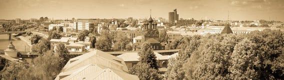 Panoramautsikt av Yaroslavl Ryssland royaltyfri fotografi