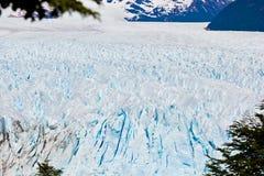 Panoramautsikt av yttersida av isglaciären i Chile arkivfoton