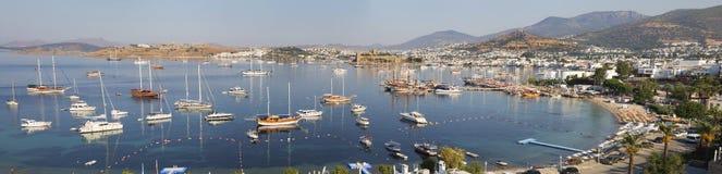 Panoramautsikt för hög vinkel av den Bodrum slotten på turk Riviera Fotografering för Bildbyråer