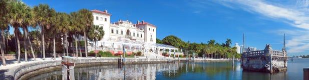 Panoramautsikt för villaVizcaya museum Royaltyfri Fotografi