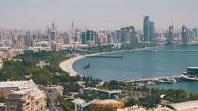Panoramautsikt från ovannämnt till staden av Baku, Azerbajdzjan arkivfilmer