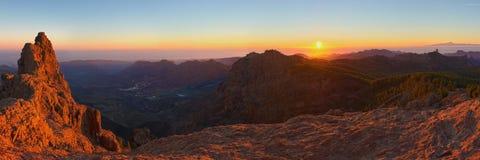 Panoramautsikt från Pico de las Nieves på solnedgången Royaltyfria Bilder